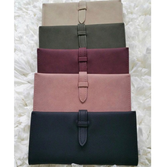 Handbags - New!!! Faux leather wallet 👛